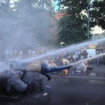 ۴ ویدئو و گزارشی از تظاهرات هزاران نفر در ایروان، پایتخت ارمنستان در اعتراض به افزایش بهای برق