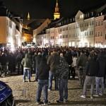 ادرار کردن یک نئونازی بر روی دو کودک خارجی در یک قطار محلی آلمان و آتش زدن ۲۰ مکان پناهجویان تنها در سال جاری