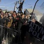 مرگ یک پناهجو ی دیگر بر اثر برق گرفتگی در مرز یونان و مقدونیه