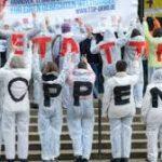عکس و گزارش از اعتراض مردم آلمان به پیمان تجاری دو سوی اقیانوس اطلس در آستانه سفر باراک اوباما