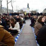 دولت مدعی دموکراسی فرانسه، قانون جدید کار را بدون رای پارلمان تصویب می کند