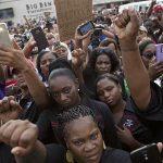 یک سیاهپوست دیگر در آمریکا به ضرب گلوله پلیس کشته شد