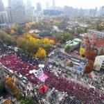 چند صد هزار نفر در سومین هفته اعتراضات مردمی خواستار استعفای رئیس جمهور کره جنوبی شدند
