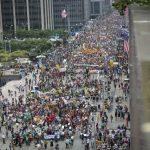 فعالان زیست محیطی در تدارک یک راهپیمایی بزرگ در ۹۹ مین روز ریاست جمهوری ترامپ  و راهپیمایی دانشمندان  در ۸ آوریل و راهپیمایی مهاجران در ۱۵ آوریل