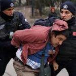 ورود نیروهای پلیس ترکیه به صحن دانشگاه آنکارا و بازداشت خشونت آمیز دانشجویان محکوم است