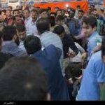 درگیری هواداران رئیسی با هواداران روحانی ، کتک کاری در سخنرانی قالیباف و ۶ مضروب در حمله به ستاد روحانی