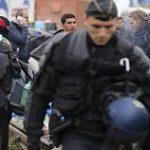 دیده بان حقوق بشر : استفاده پلیس کاله از گاز فلفل علیه پناهجویان حتی در خواب و پاشیدن آن بر روی آب و غذا