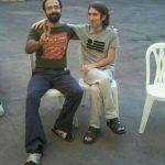 عکس سهیل عربی و آرش صادقی بعد از اعتصاب غذای طولانی و پیروزی در هوا خوری بند ۳۵۰