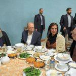نشستن محمود دولت آبادی بر سر یک میز با حسن روحانی خیانت به مردم است