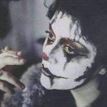 القیم الدینیه و إنطفاء الوعی الطبقی