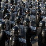 چگونه با ماموران خائنِ ضد شورش مبارزه کنیم؟