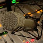 رادیو «عصر آنارشیسم» برنامه هفدهم – بحث ضرورت مبارزه مسلحانه و دفاع مشروع «قسمت اول»